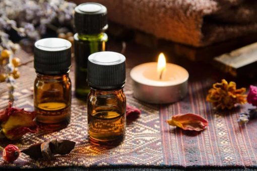 Online aromatherapy course tutors